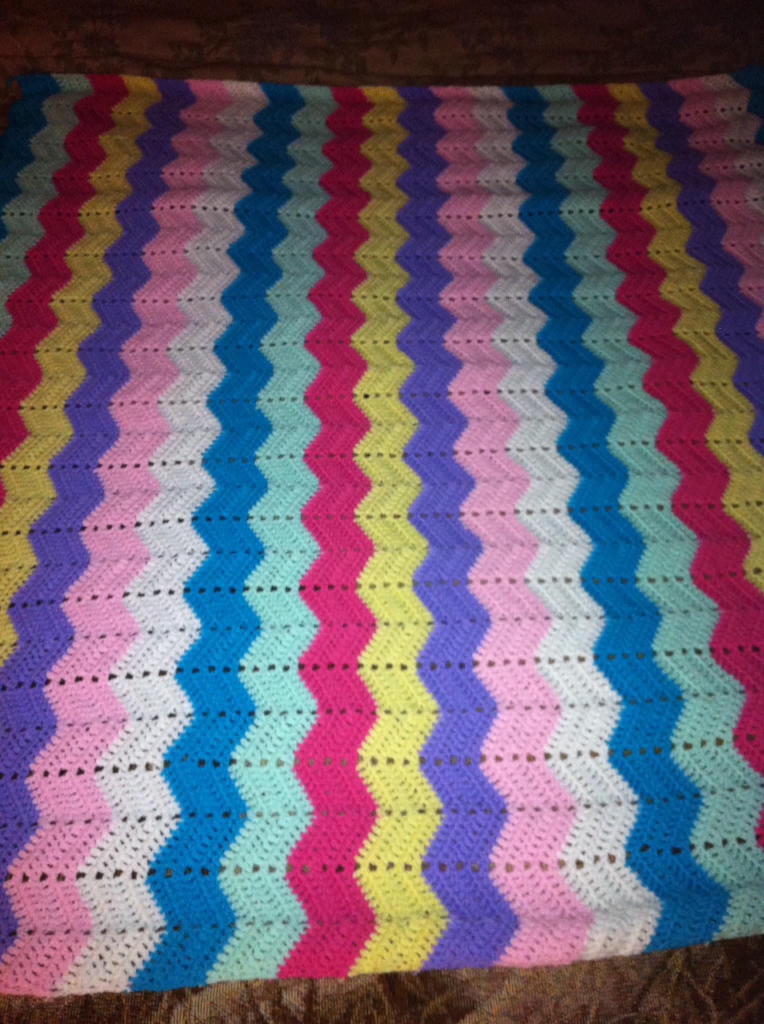 Multiple Color Rainbow Zigzag Blanket