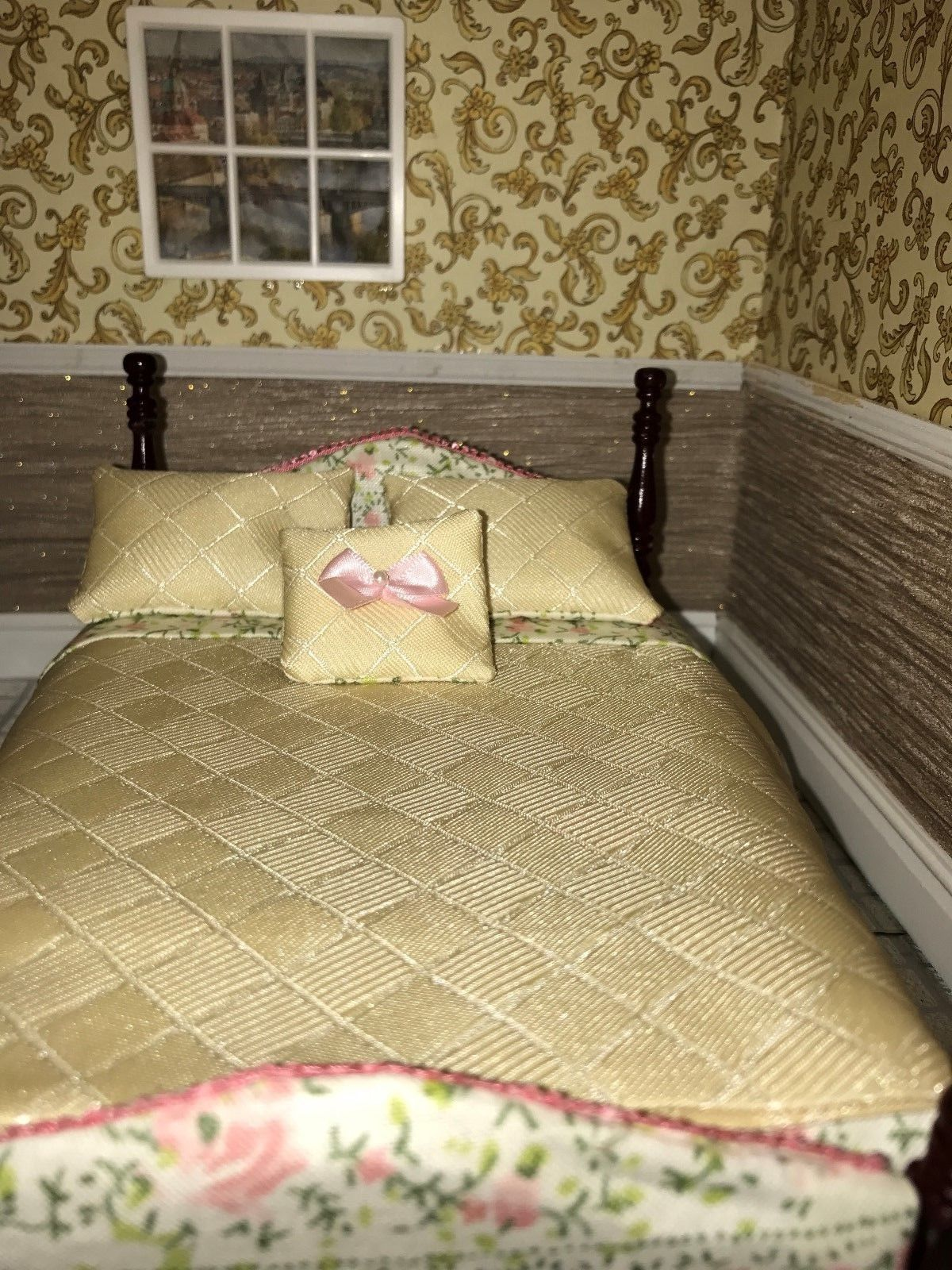 1/12th scale bed and bedding