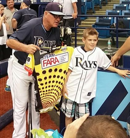 Coach Maddon with Gavin's jersey