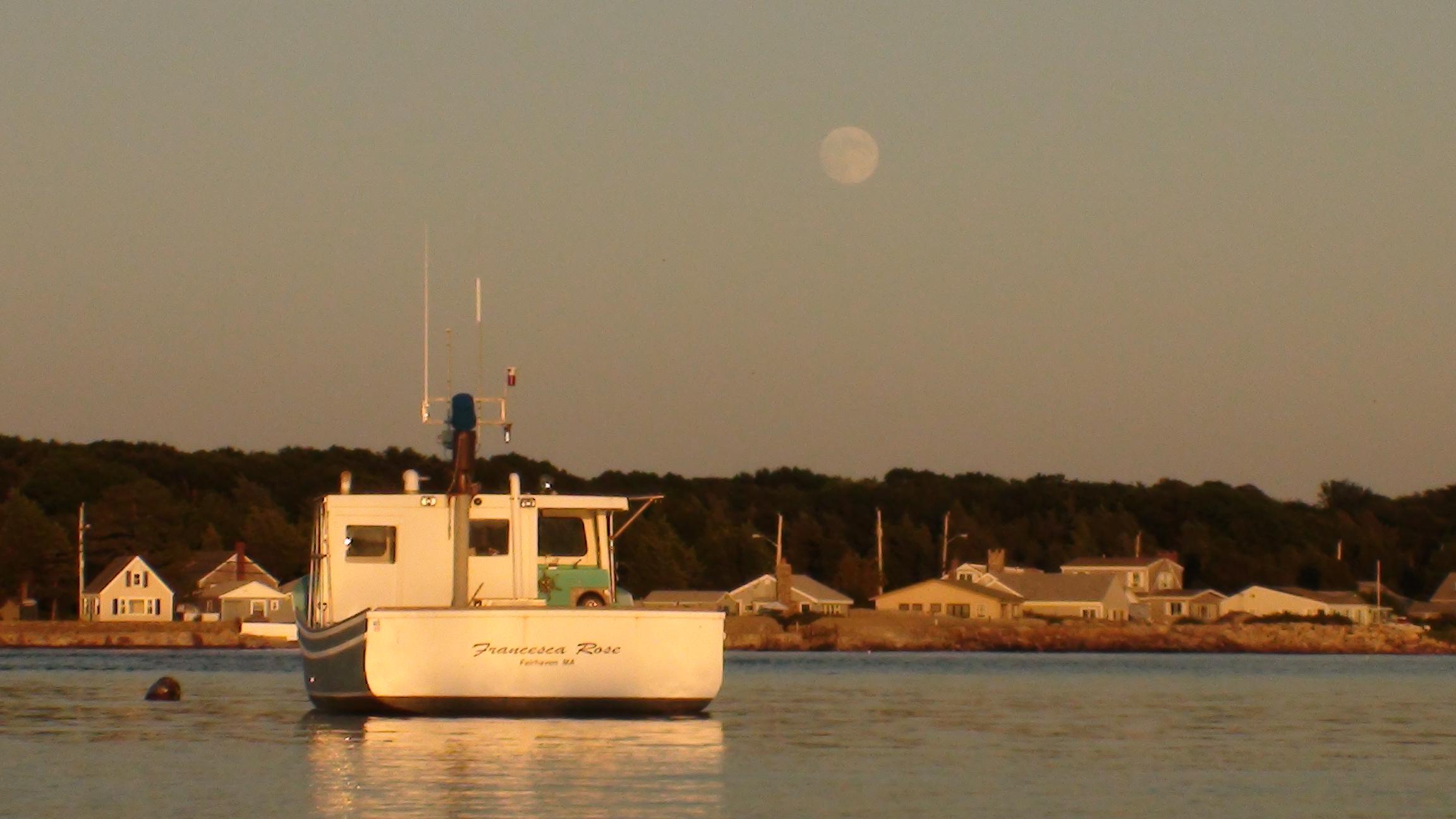 Moonrise August 12, 2011 658PM