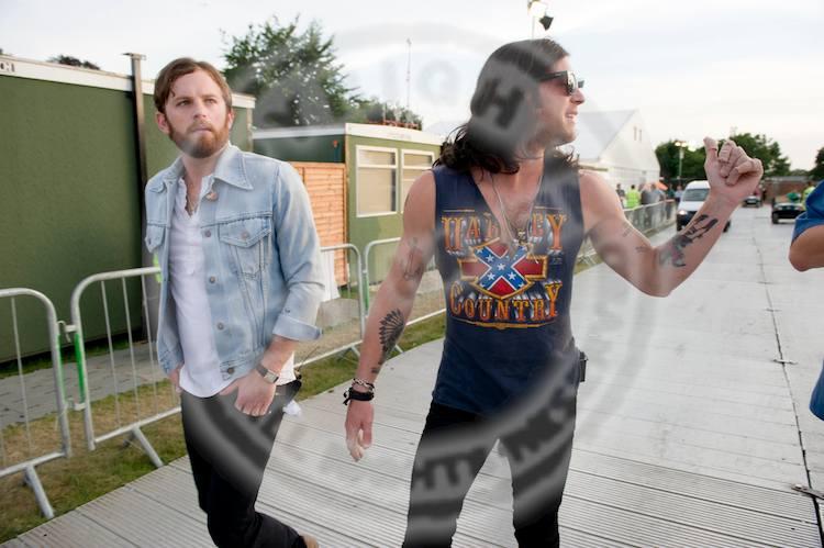 Caleb & Nathan Backstage @ Hyde Park (30 Jun 10)