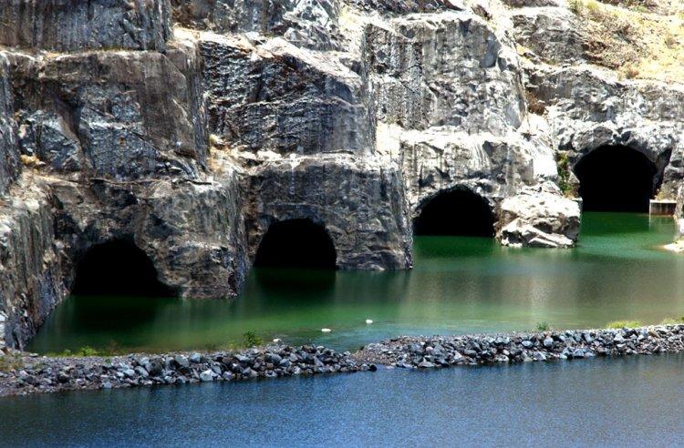 Caverna - Hidroel?trica - Paulo Afonso