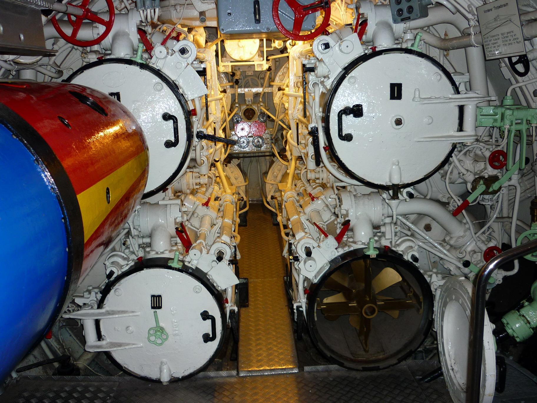 U995 View 22-Torpedo-Tubes
