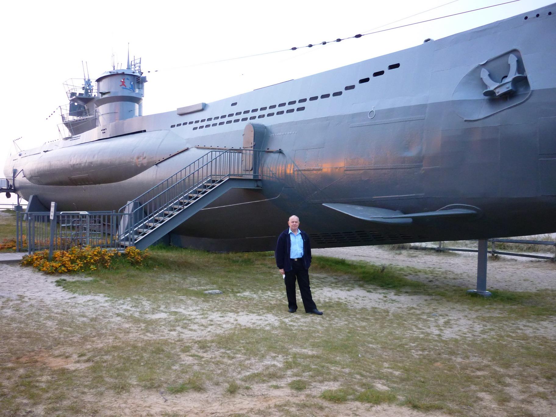 [revell] U-Boot typ VII C/41       au 1/72° U995-Kiel-25_RS