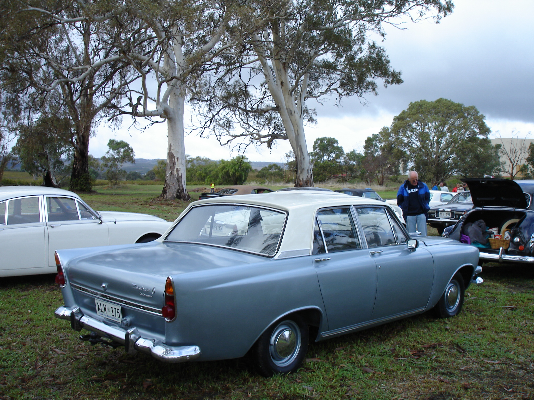 SIDE VIEW - Ford Zephyr and