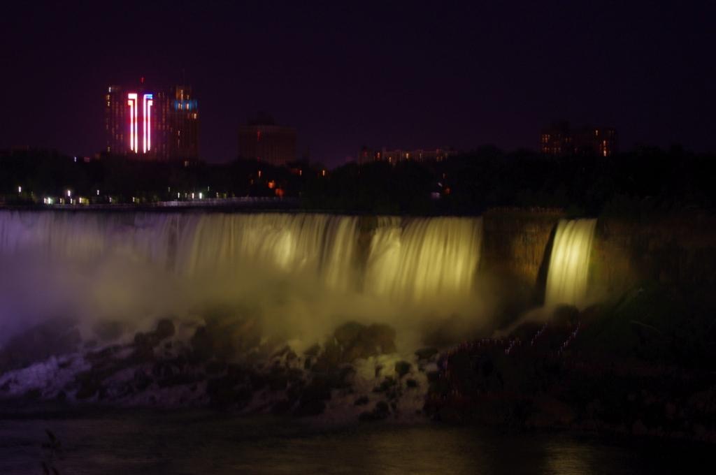 Niagara at night 3