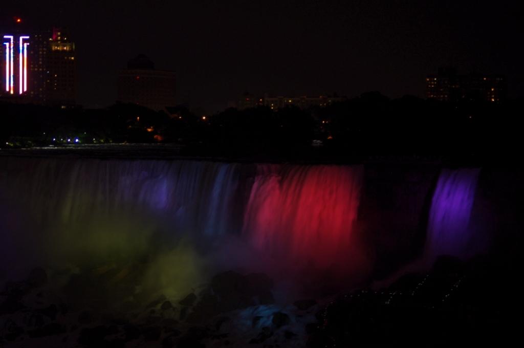 Niagara at night 4