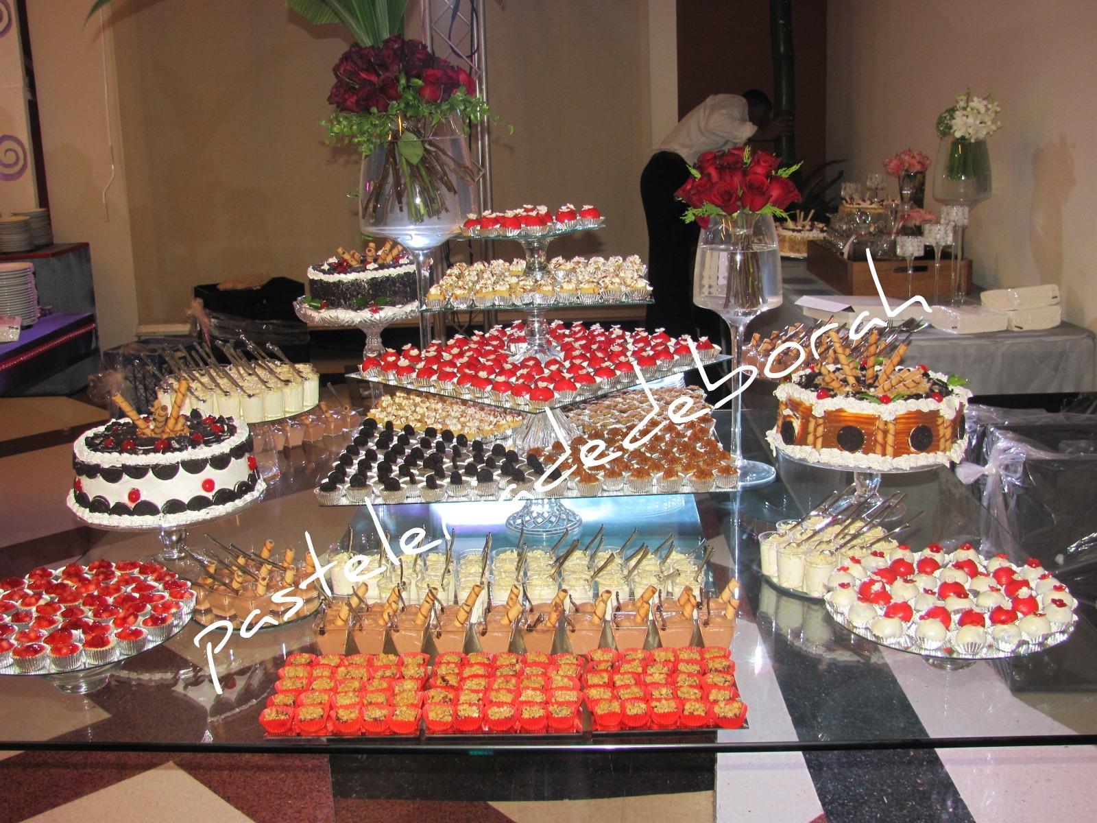 Mesa postres boda for Mesas de dulces para bodas precios