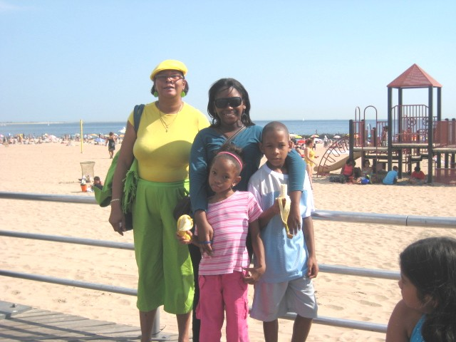 """'A day in Coney Island"""" A PARENT AND HER CHILDERN"""
