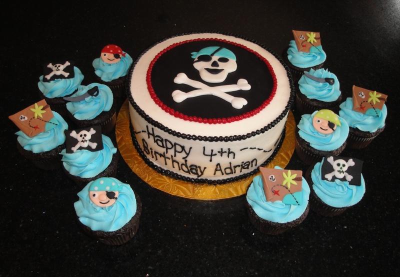 Pirate Theme cake & cupcakes