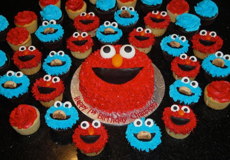 Elmo & Cookie Cupcakes & Cake