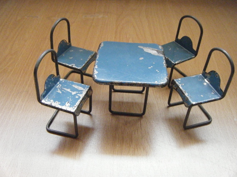 Holdfast Table U0026 Chairs
