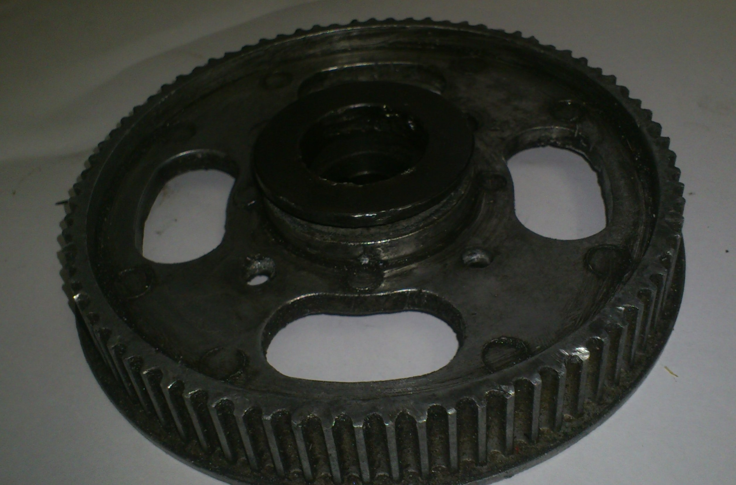 original pulley with the nut