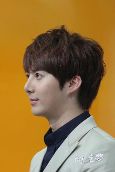 hyung joon-Mnet Wide 304053_194270950642890_130589590344360_459944_1827381879_n