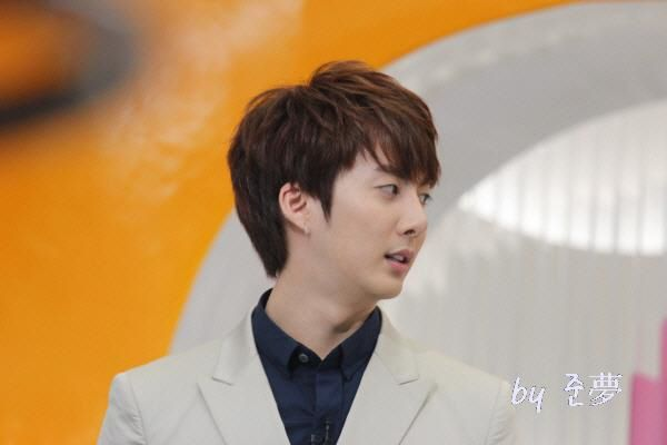 hyung joon-Mnet Wide 309486_194271170642868_130589590344360_459951_1120316260_n