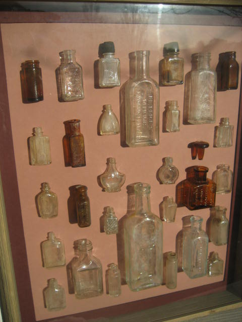 Small perfume bottle display