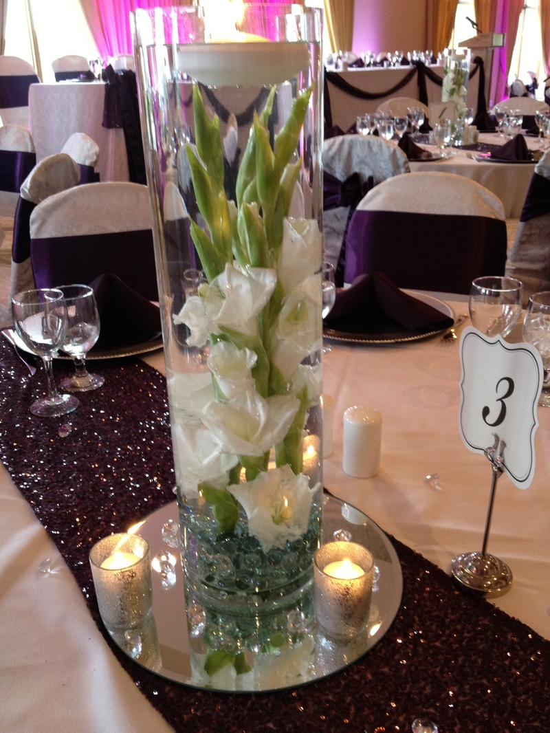 Dramatic wedding centrepiece