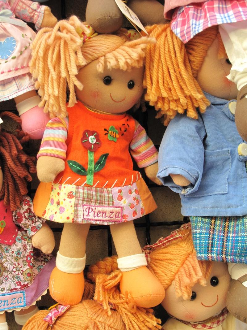 Piensa Doll