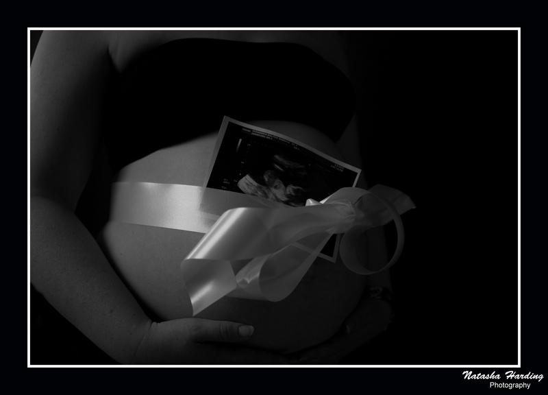 scan photo pregnancy shoot