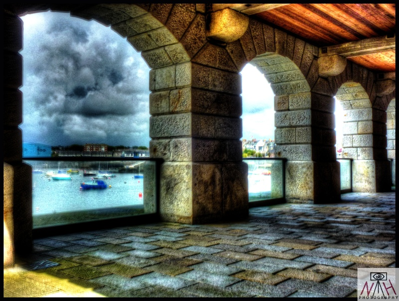 HDR arches at RWY