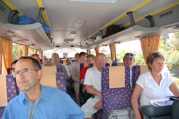 Pa bussen med pinsemenighetsgruppen