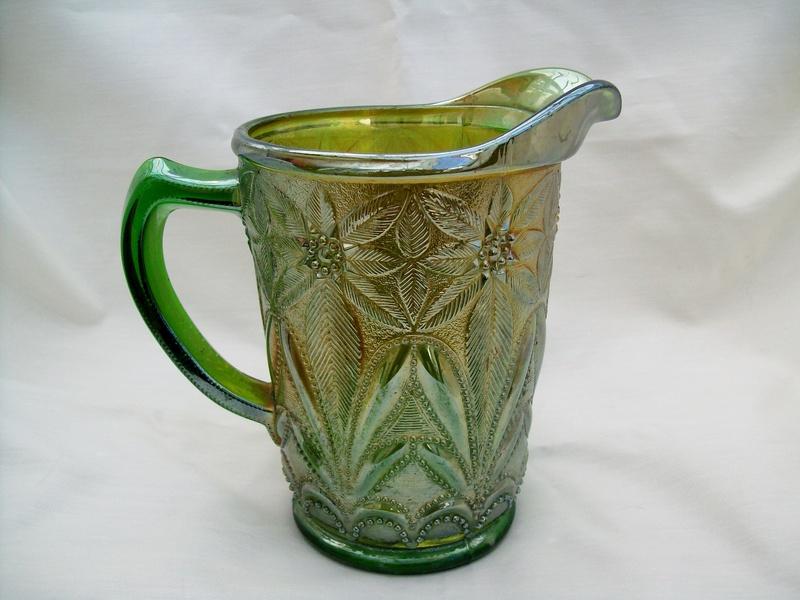 Poinsettia milk jug, green