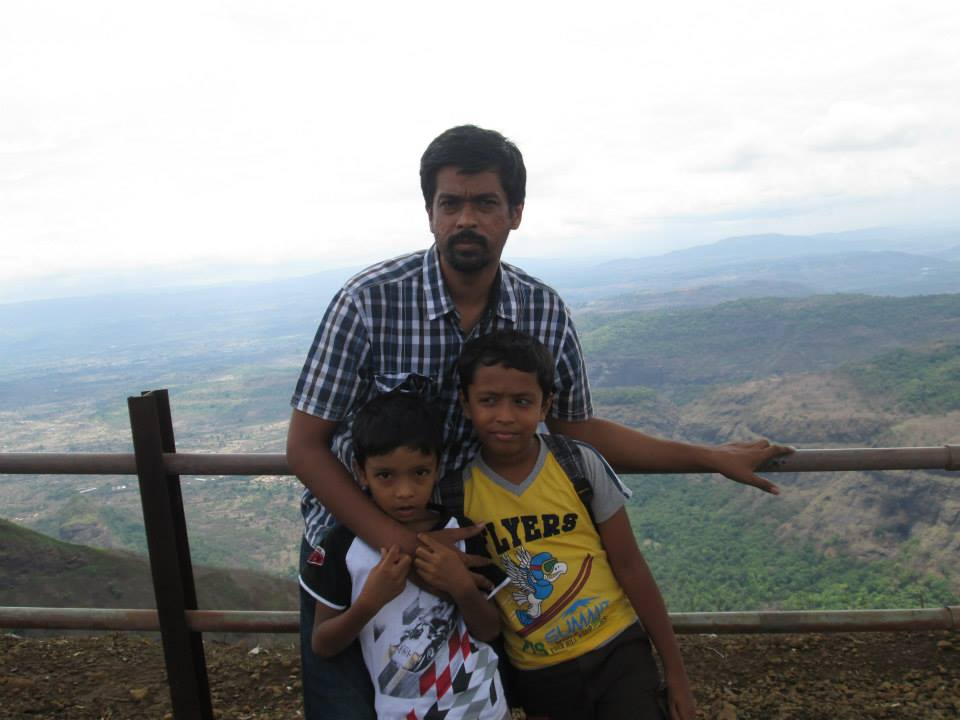 Asif N. Peshkar with his children