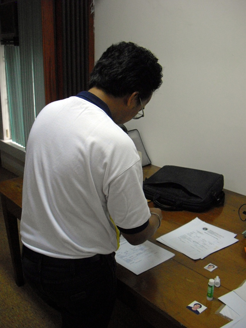 Sir Jake Irlandez, processing new hired recruits for PAS.