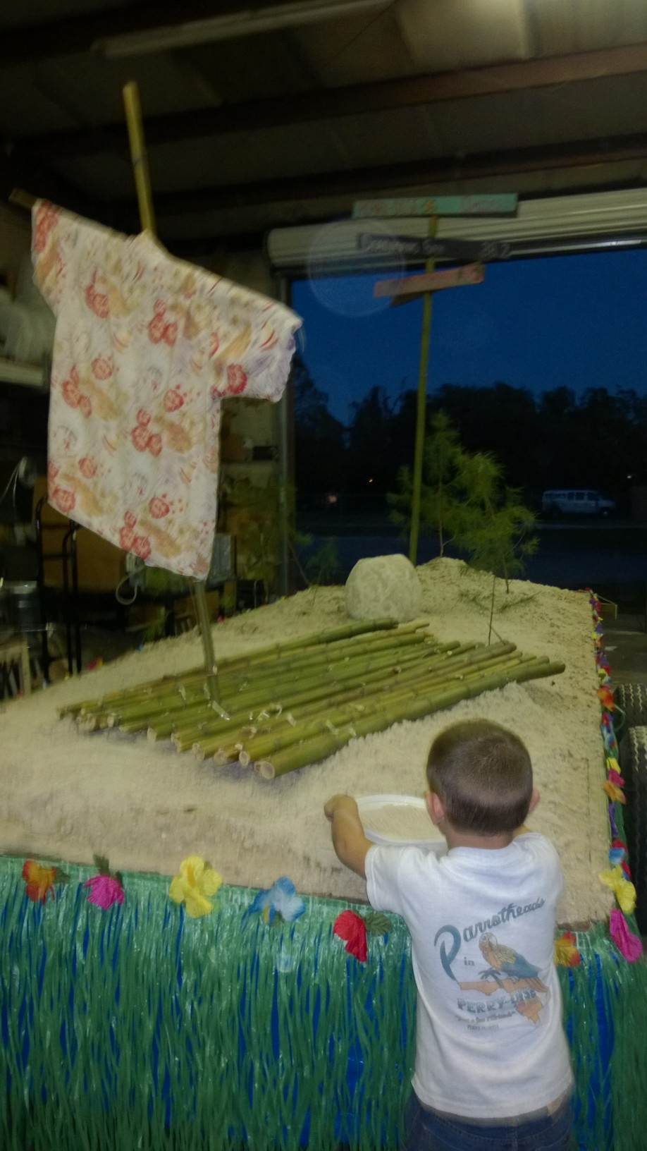 Leevi Looks on as the float comes together