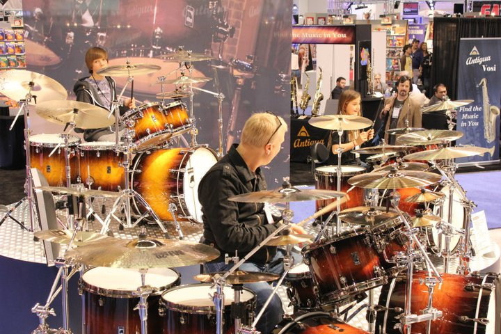 Gregg Bissonette and his kids drumming