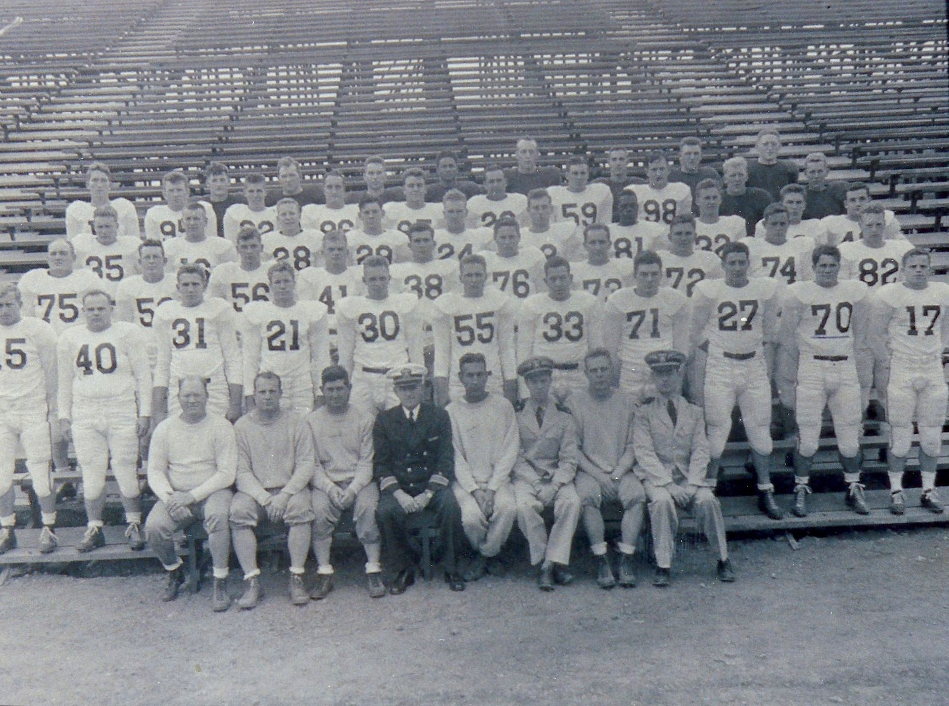 1943 Great Lakes NTS Bluejackets