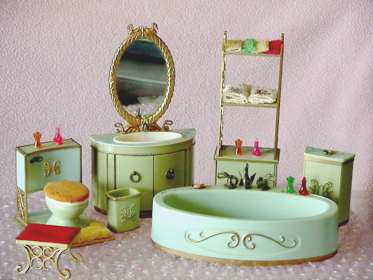 Ideal's 1965 Princess Patti Pea Green Bathroom Collection