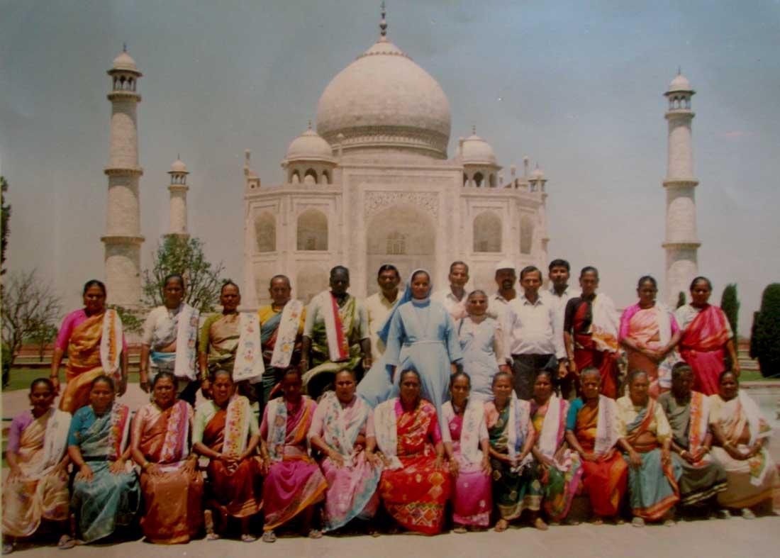 Uttan EI's at Taj