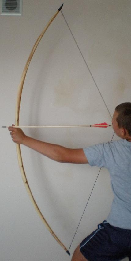 62 lbs yew bow 178 cm-between string groves