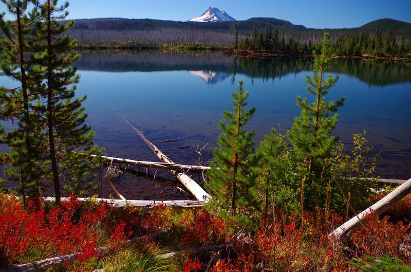 October morning at Olalllie Lake