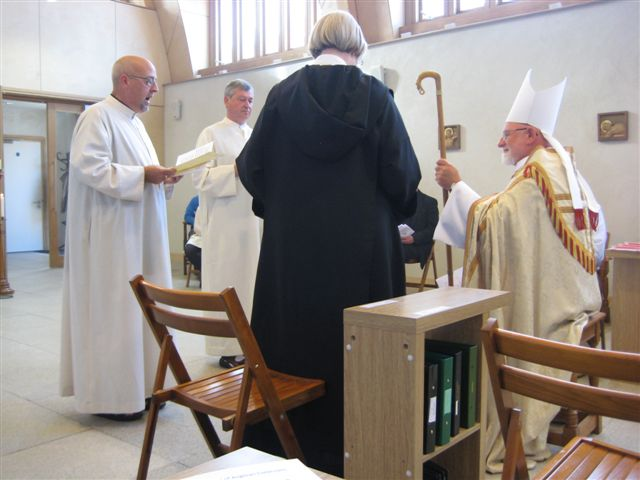 Br Philip reads his Charter of Profession