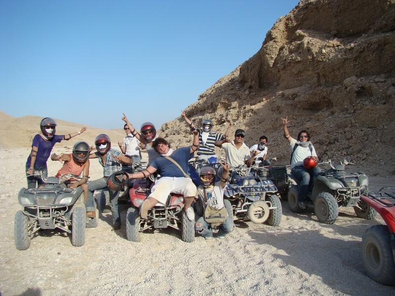 Cuatrimotos en el desierto