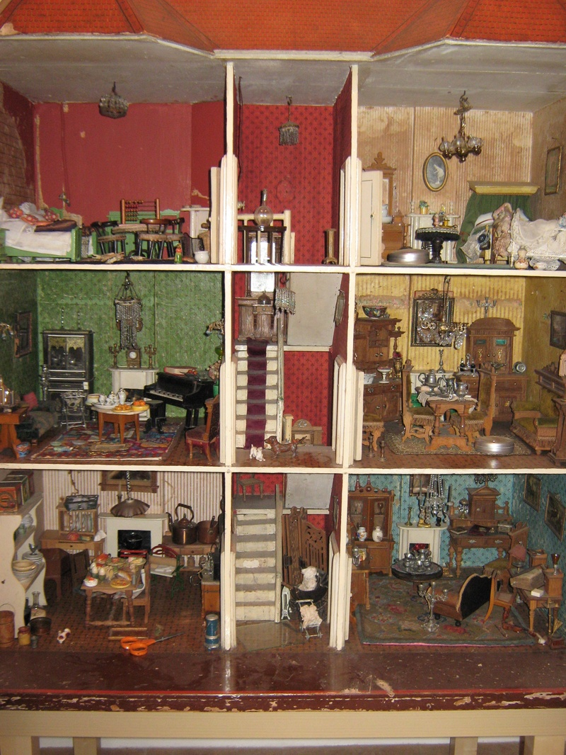 No 21 C1890 Dolls 39 Houses Past Present