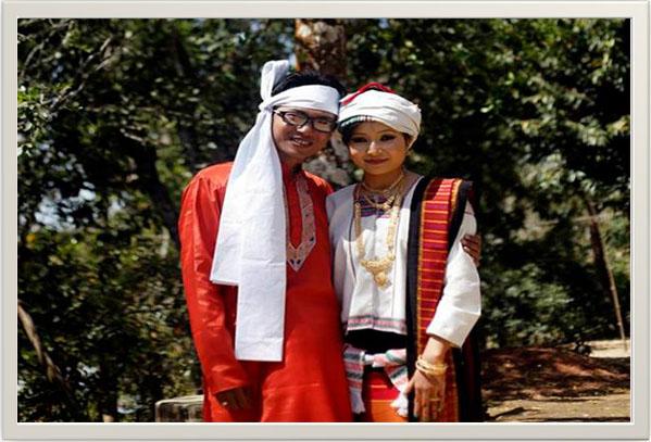 Newly married Tanchangya  couple