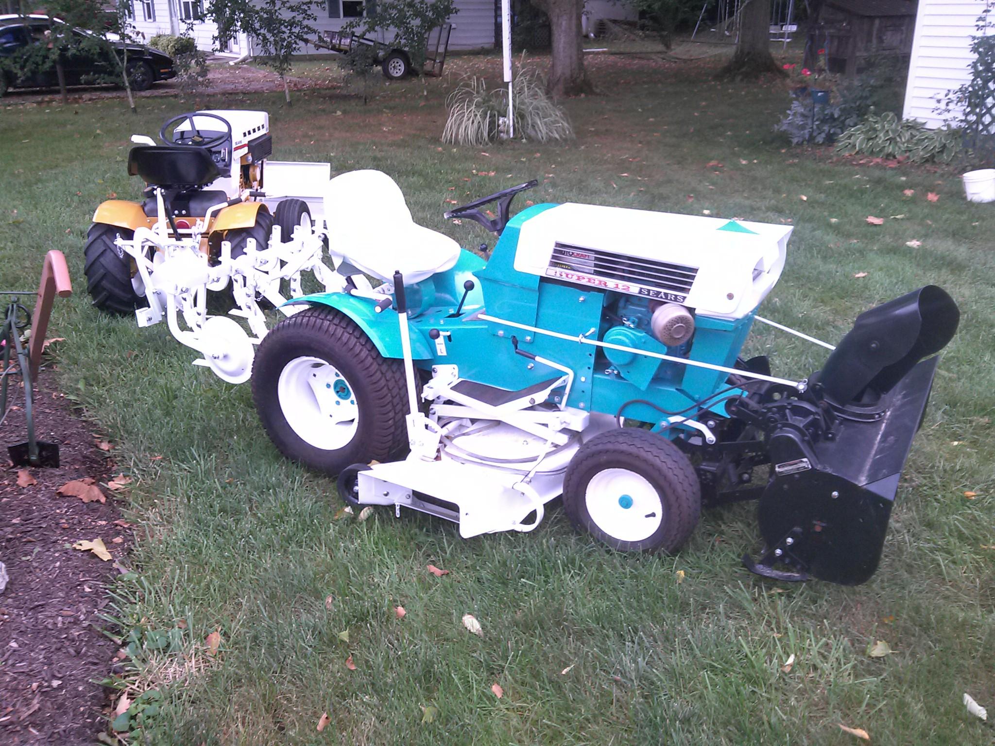 Sears Super 12 Garden Tractor : Super