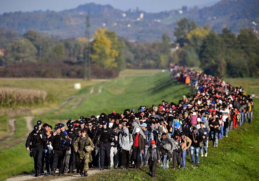 Illegal Immigrants invading Europe 02