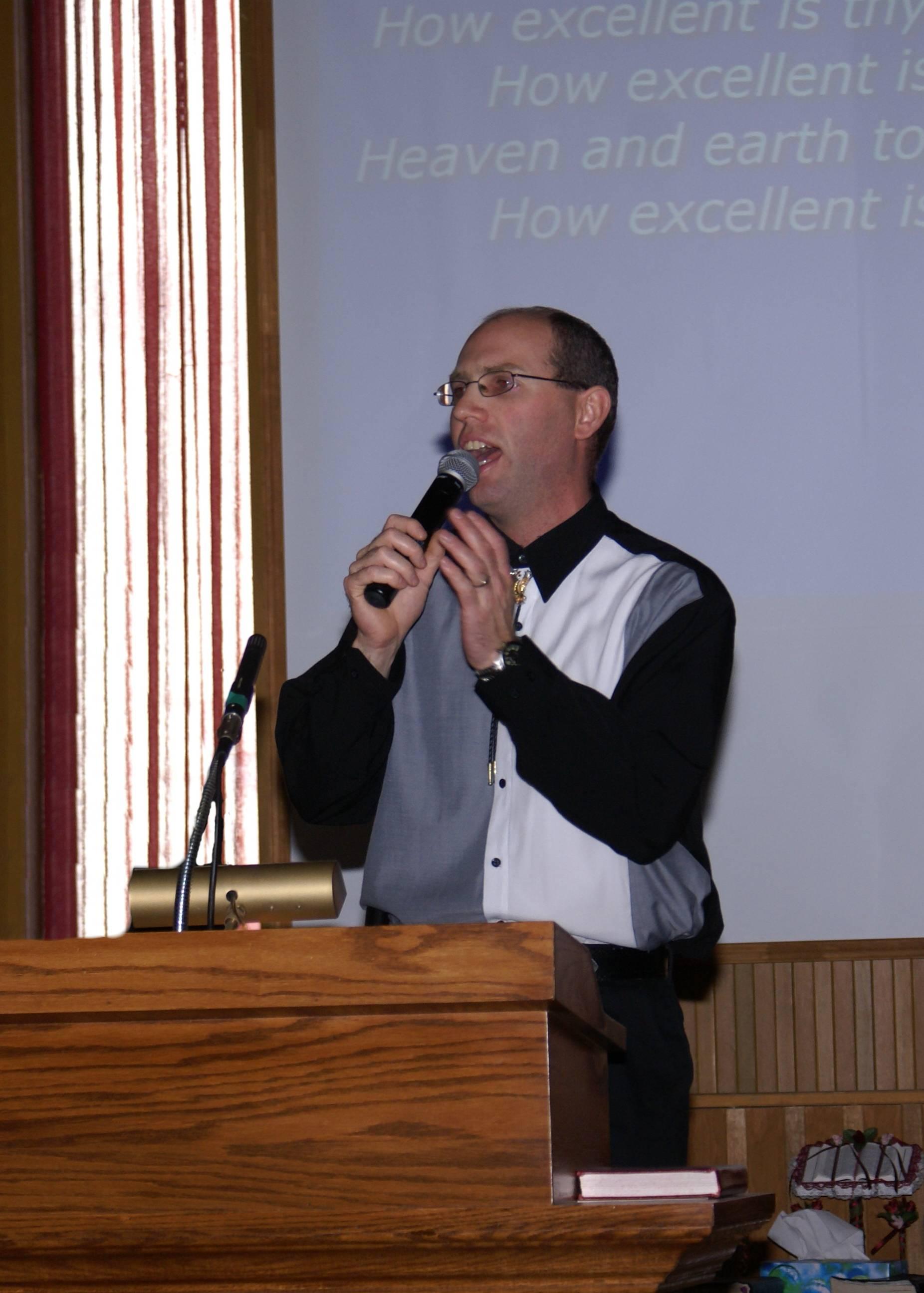 Bro  McQuinn Singing - Sudbury United Pentecostal Church